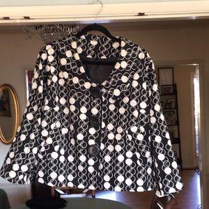 Women's short black and white blazer